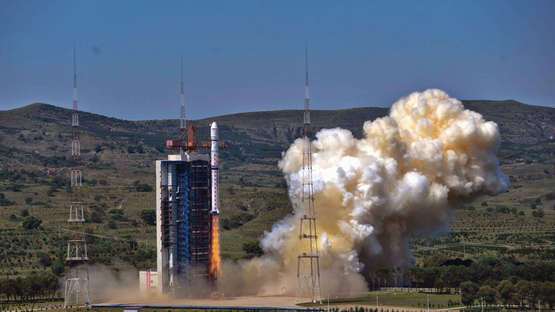Китай стартира три космически мисии