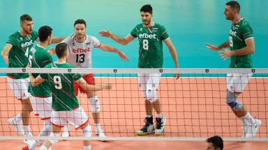 България откри Европейското с категоричен успех над Гърция