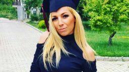 Помните ли Поли Алексиева? Младата учителка, която разобличи системата