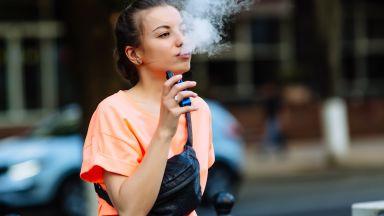 Откриха съставката, предизвикваща заболявания след употреба на електронни цигари