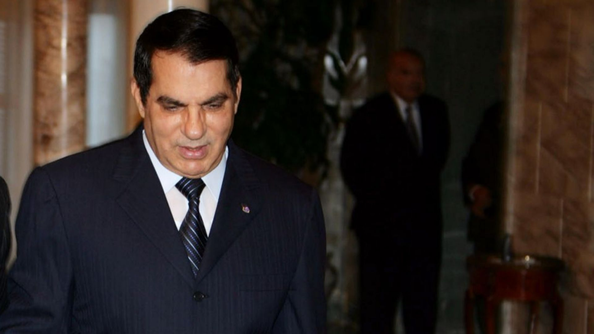 Сваленият диктатор на Тунис в изгнание е приет в саудитска болница, състоятнието му е критично