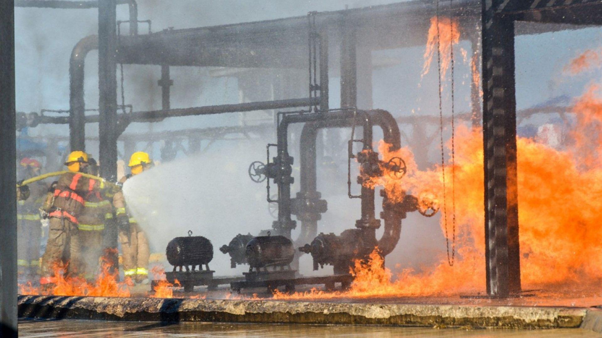 Нападения с дронове са предизвикали пожар в две големи петролни съоръжения в Саудитска Арабия