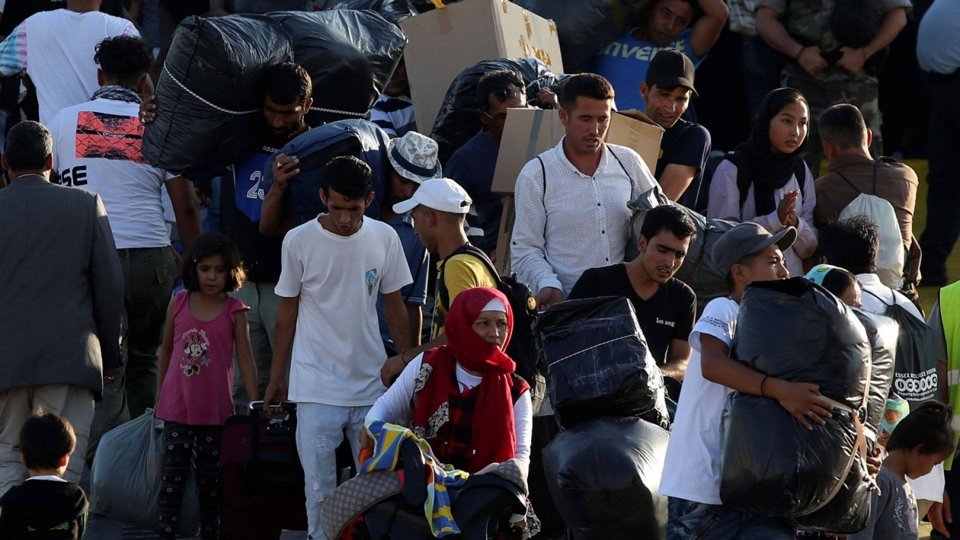 Ердоган: Турция иска от ЕС повече пари за бежанците, иначе ги пуска към Европа