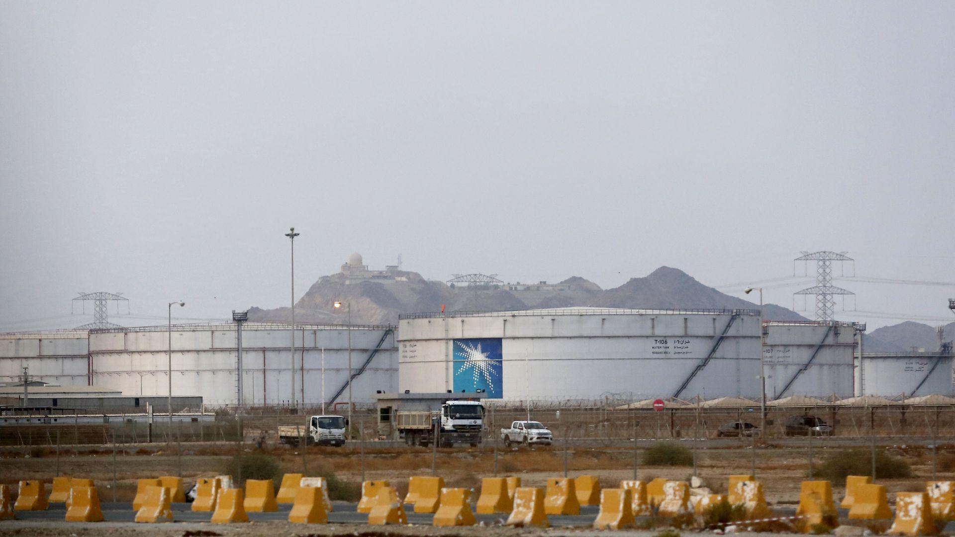 Сауди Арамко намалява цената на петрола за Европа с 2,2 долара на барел за февруари