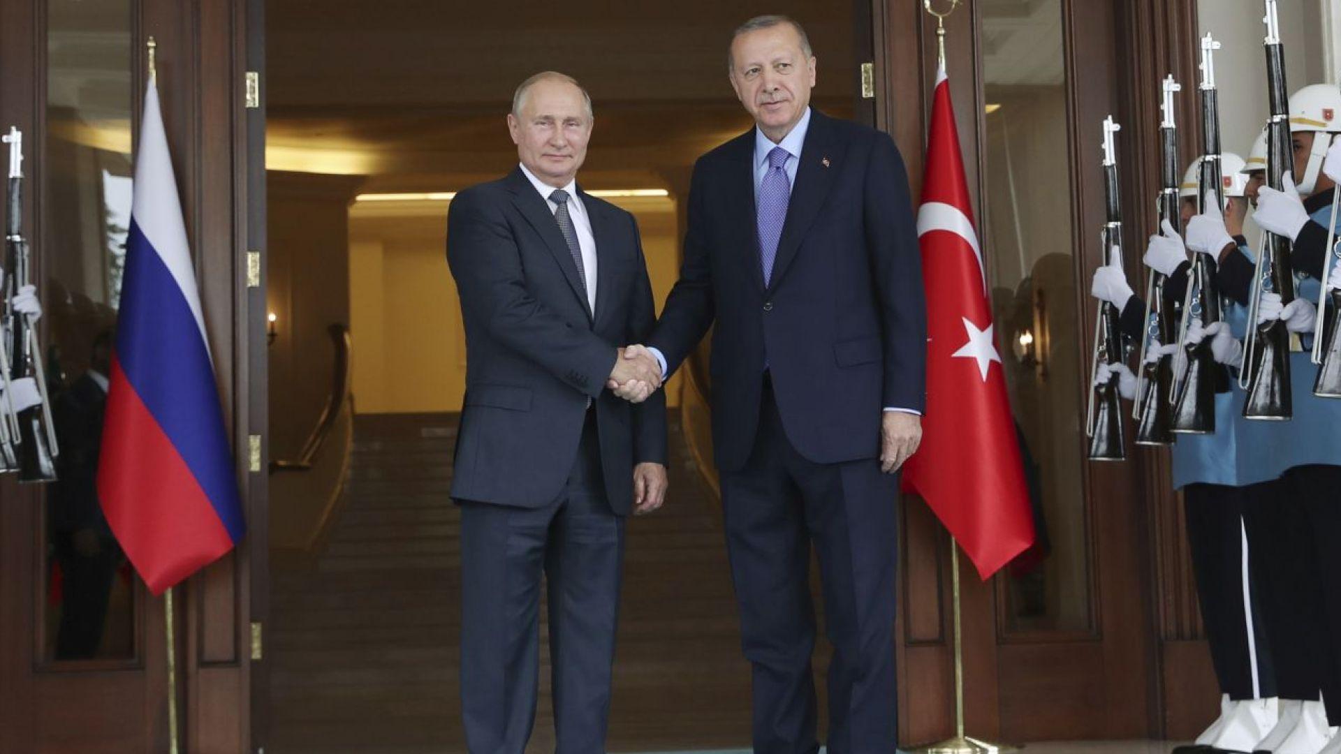 Турция и Русия вече ще се разплащат с лири и рубли