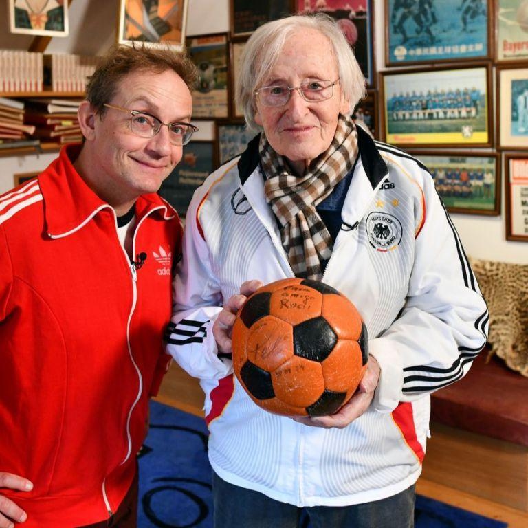 """Футболът каза """"сбогом"""" на най-великия си околосветски пътешественик"""