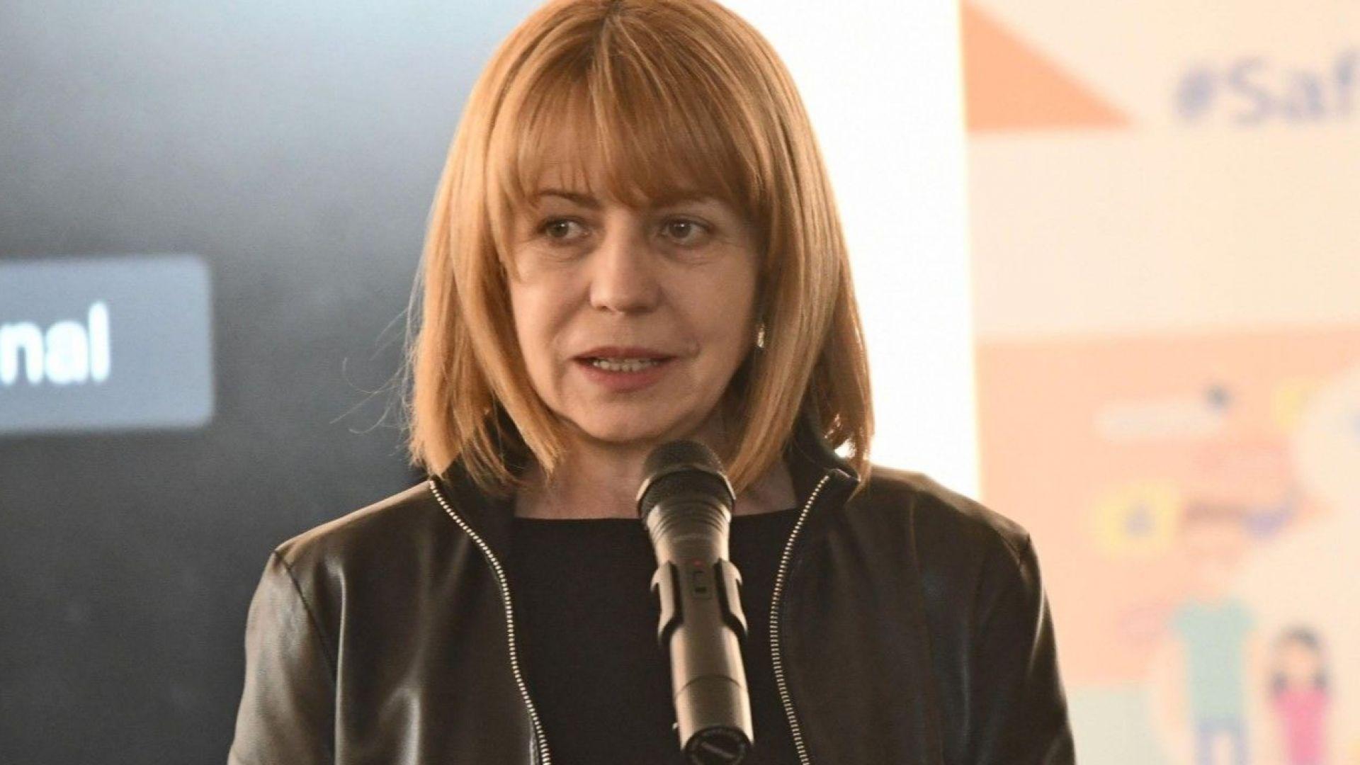 Фандъкова: Внушенията изместиха решенията, призовавам софиянци да гласуват за града си