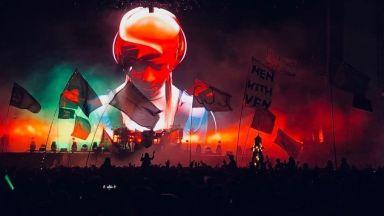 The Chemical Brothers с най-великия лайв денс спектакъл в света