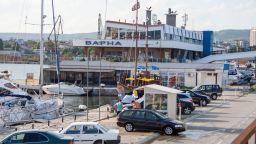 Водолази търсят млад белгиец, паднал от яхта край Морска гара-Варна