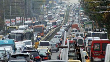 """Над 230 000 тръгват на път, пълна тапа по """"Цариградско шосе"""""""