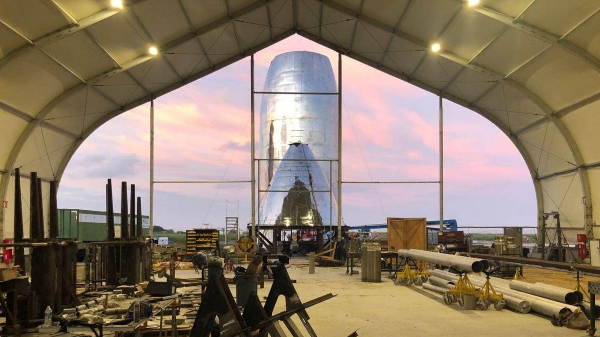 Илон Мъск показа снимки на марсианския си кораб