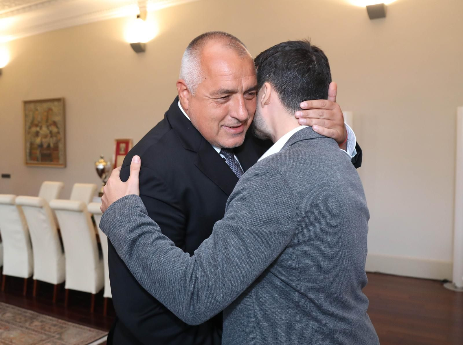 Премиерът благодари на главния прокурор за това, че Желяз и неговите колеги вече са напълно свободни хора