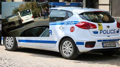 Камион удари градски автобус пред руското посолство в София