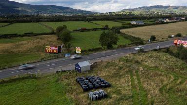 Защо въпросът за ирландската граница препъна сделката с Лондон