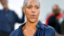 Eдна от първите чернокожи манекенки Коко Мичъл се завърна на модния подиум след 60