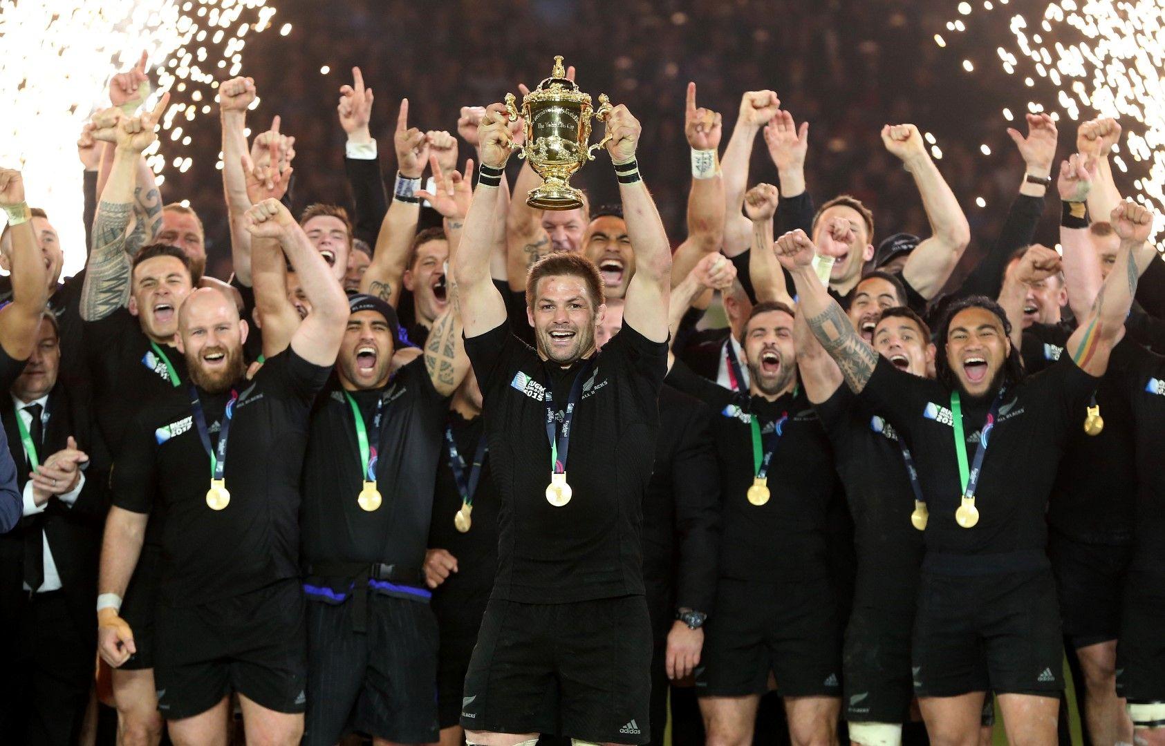 Актуалните шампиони от Нова Зеландия с трофея преди 4 години