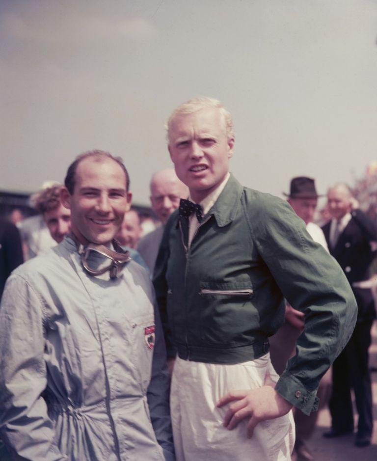 """Мос и сънародника му Майк Хоуторн на """"Силвърстоун"""" през 1958-а. Заради проява на спортсменство вторият стана шампион."""