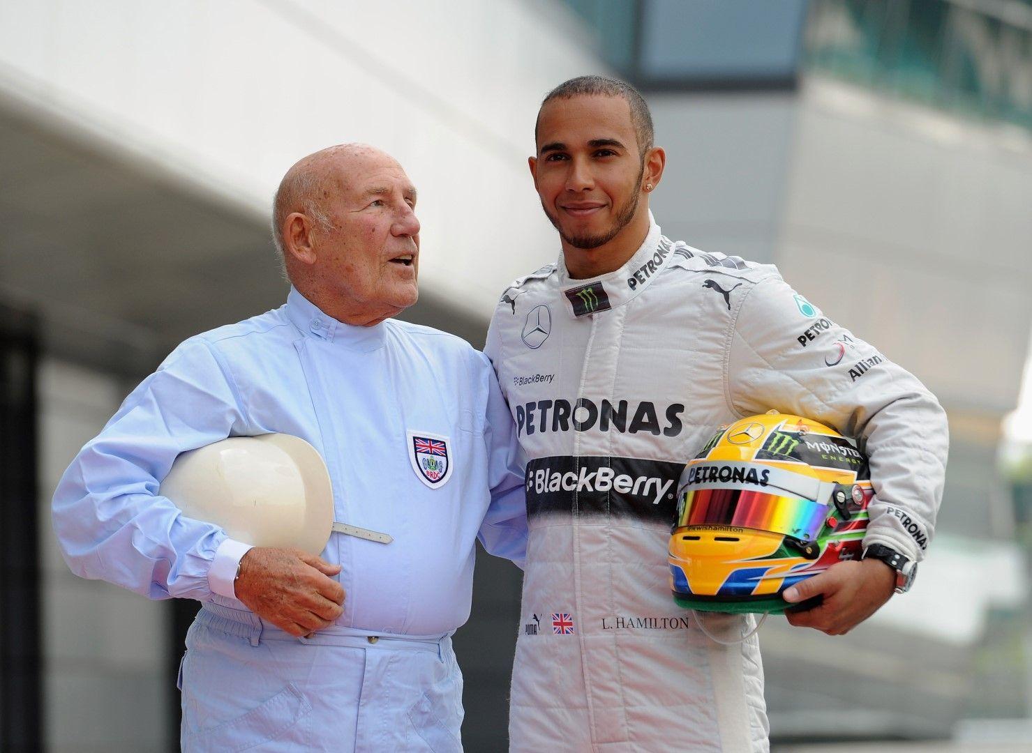 Мос и наследника му Люис Хамилтън, който вече е петкратен шампион във Формула 1