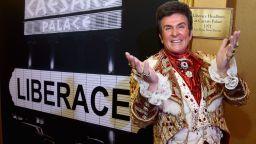 Най-богатият пианист в света умира от СПИН