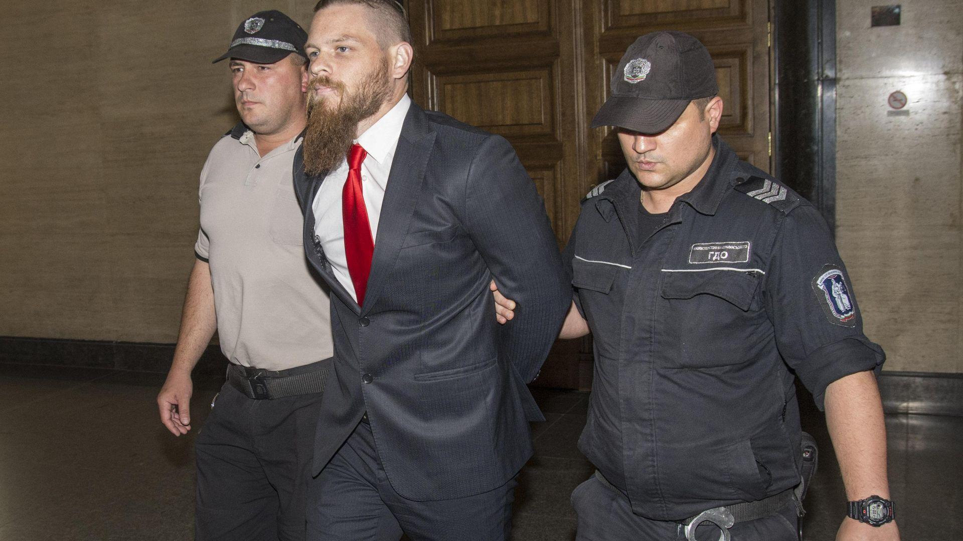Депутатите се обединиха срещу решението за освобождаване на Джок Полфрийман