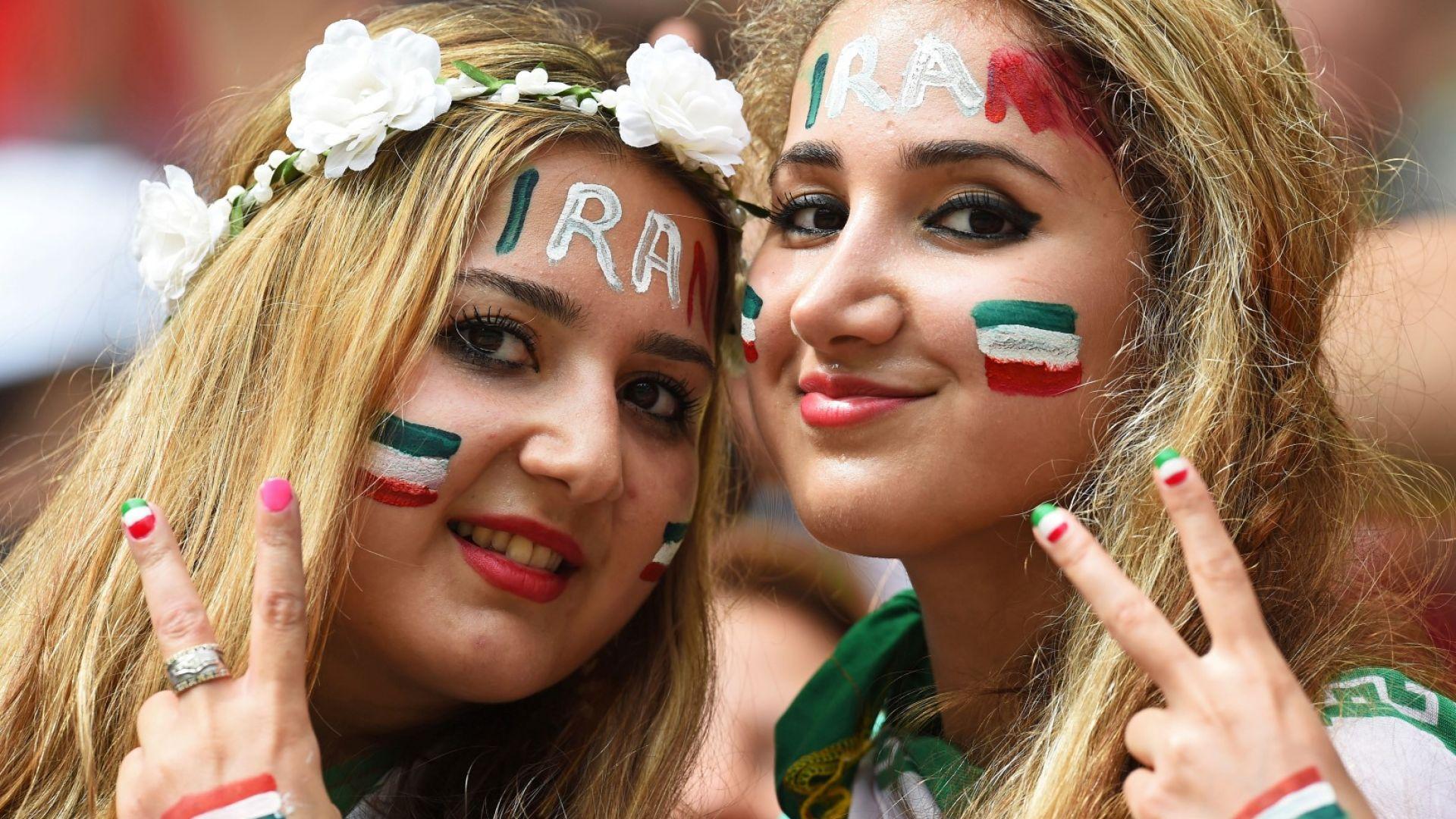 Революция - Иран пусна жени на стадиона за първи път от 40 години