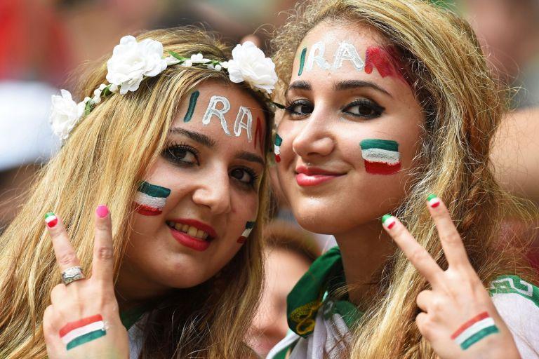 Фенки на Иран са на стадиона, но по време на Мондиал 2018 в Русия. У дома това е невъзможно