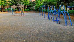 В Бургас отпадат таксите за детска градина и наемите за търговски обекти