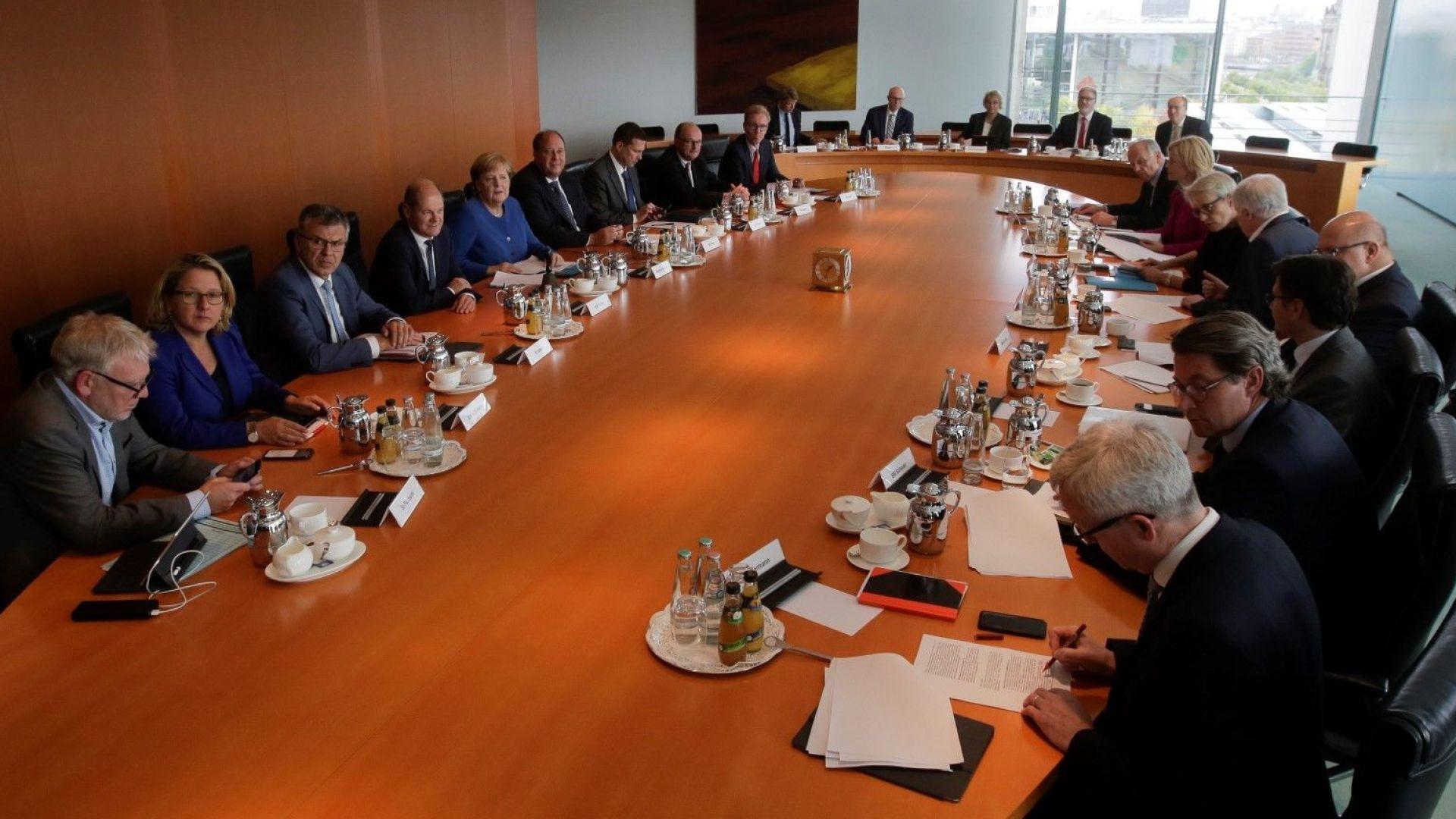 Партиите от крехката правителствена коалиция на германската канцлерка Ангела Меркел