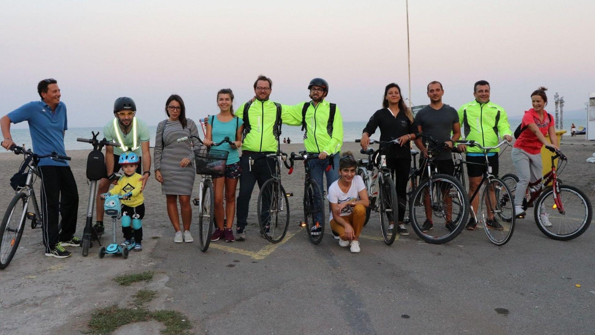 Снимка: Италианска фирма насърчава служителите си в Бургас да отиват на работа с колело