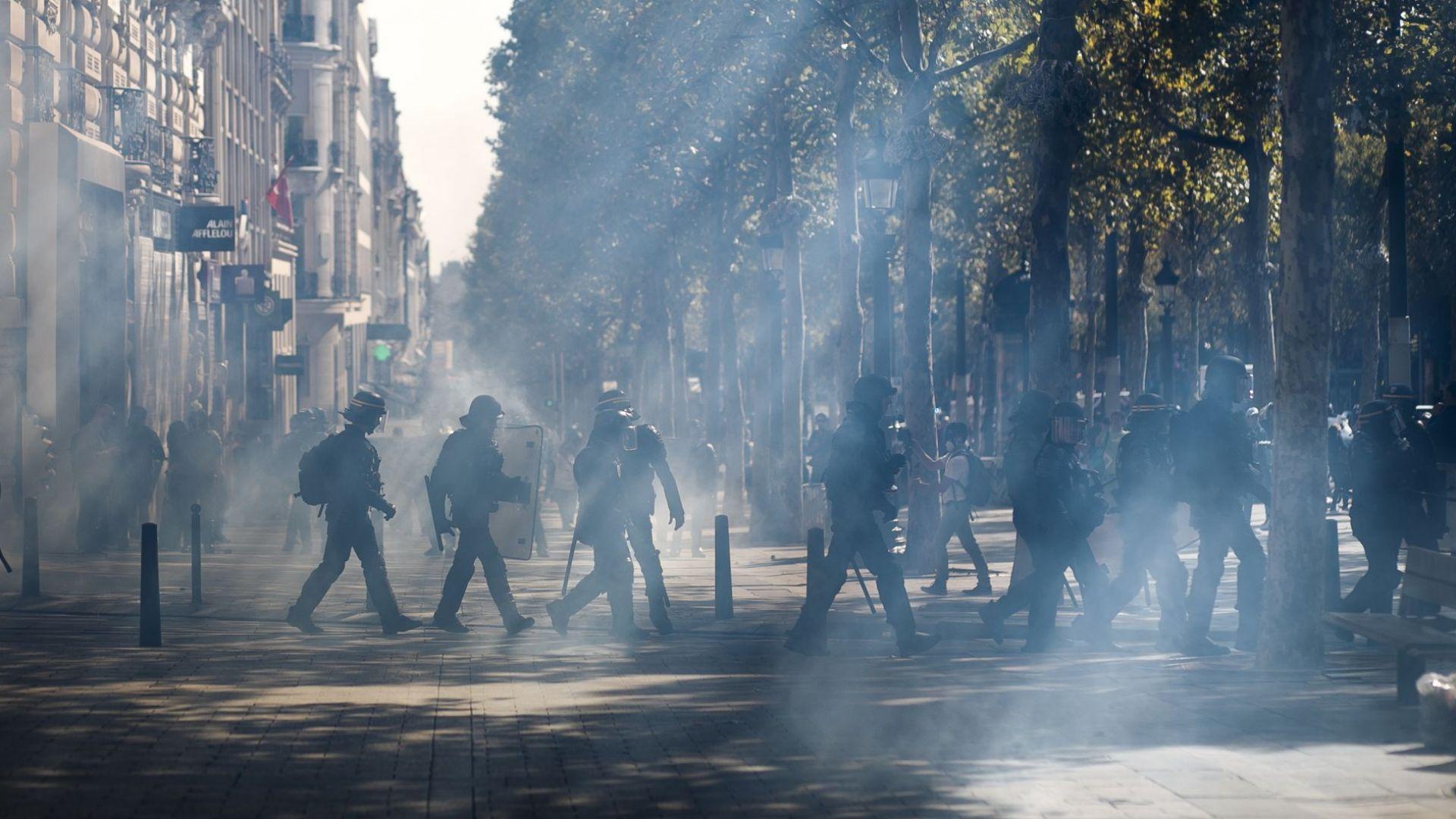 Снимка: 40 души в ареста преди началото на протестите на жълтите жилетки в Париж