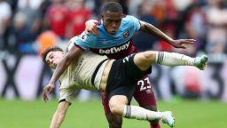 """""""Чуковете"""" разбиха илюзиите на Манчестър Юнайтед във втори пореден сезон"""