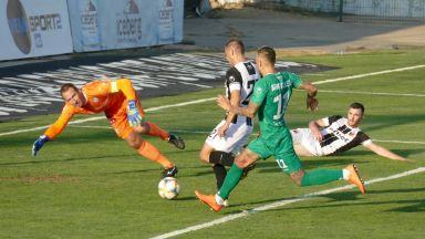 Локомотив разби Берое и отново гордо стои в топ 3