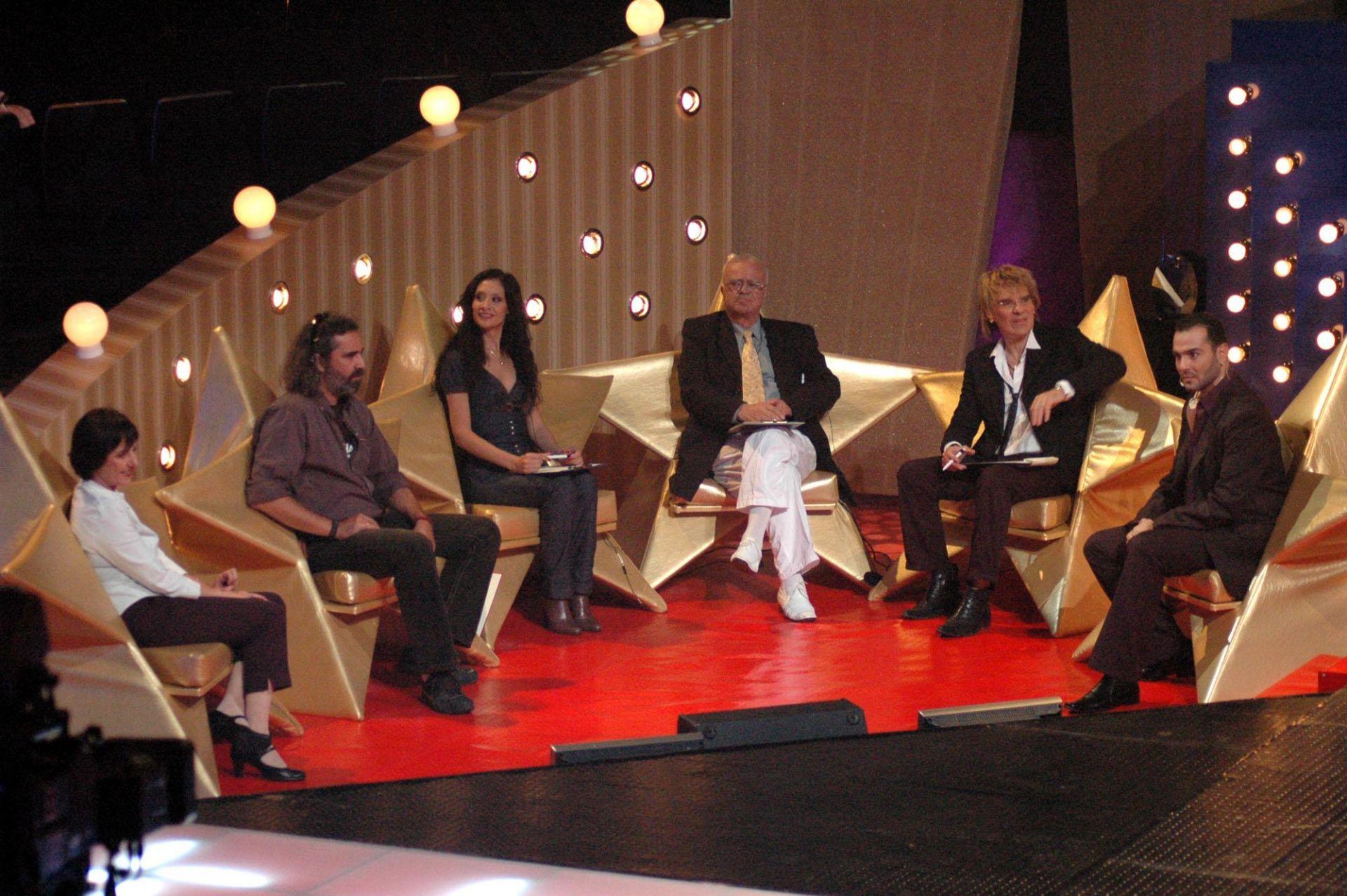 """8 октомври 2007 г. - Проф. Вучков води първото живо предаване от конкурса """"Българска песен в EUROVISION '08"""" в компанията на елитни гости"""
