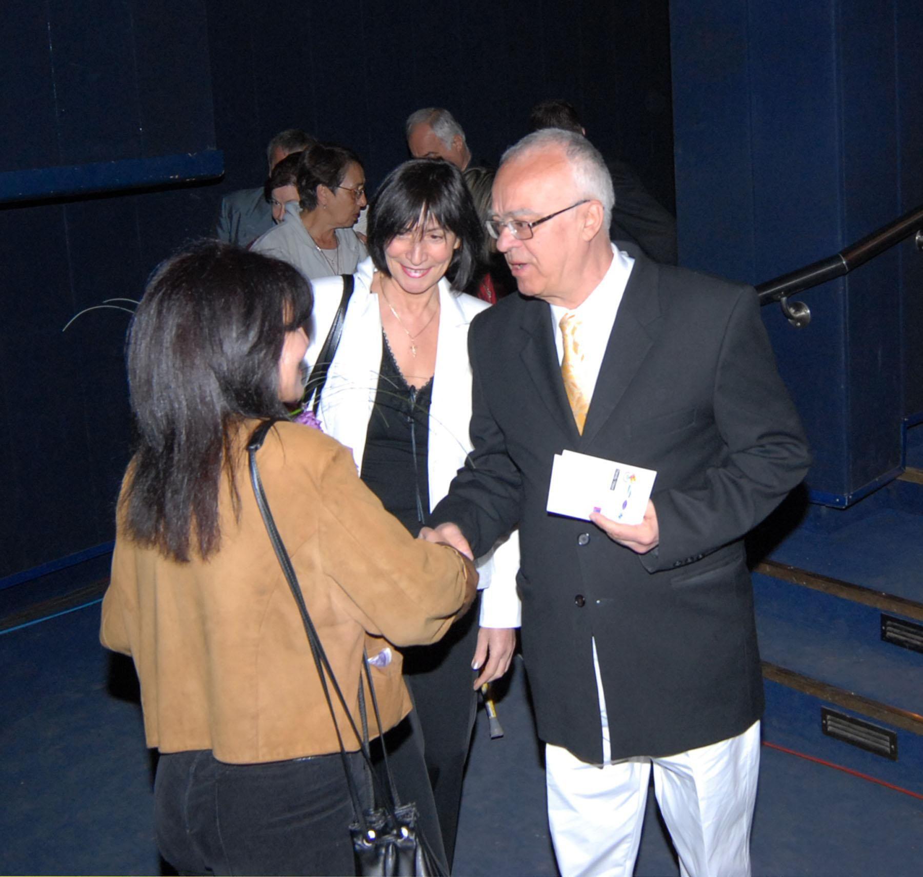 27 април 2004 г. - Проф. Вучков пристига на юбилейния концерт на Мими Иванова в зала 1 на НДК