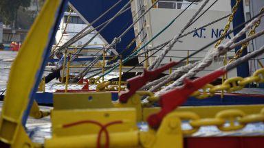 24-часова стачка парализира Гърция, туристи чакат по пристанищата