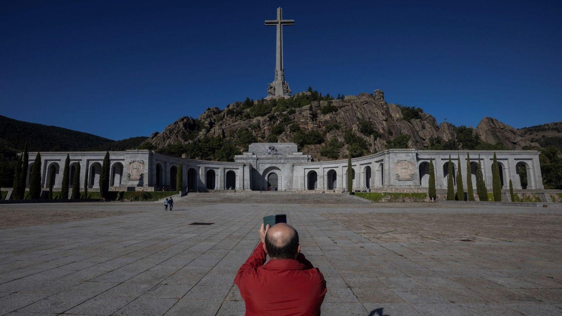 Испанският Върховен съд разреши ексхумирането на останките на бившия диктатор