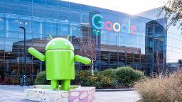 Специалисти алармират, че Android приложения мамят потребителите си