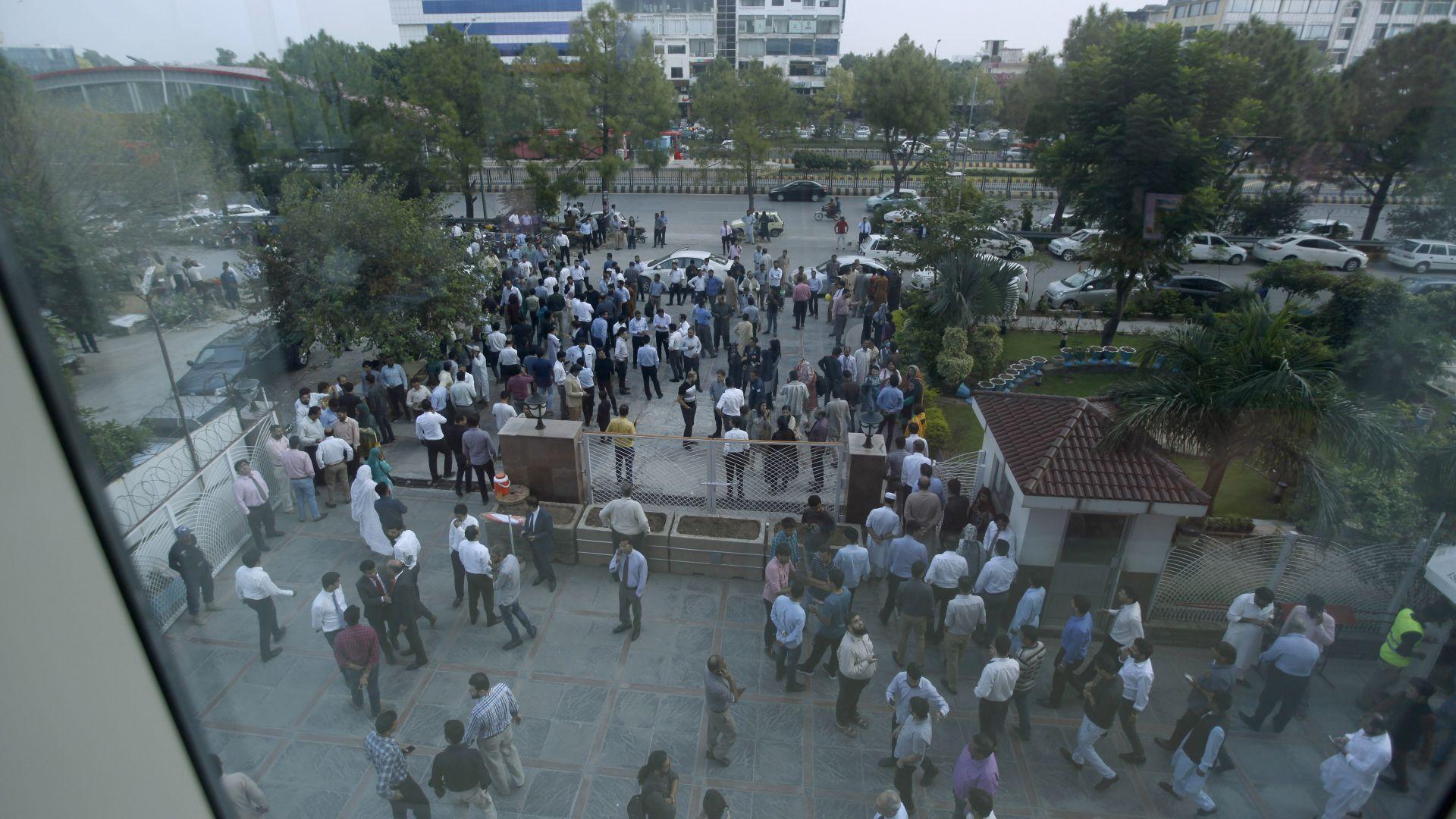 5,8 по Рихтер разтърси Пакистан, поне 8 души загинаха и над 100 са ранени