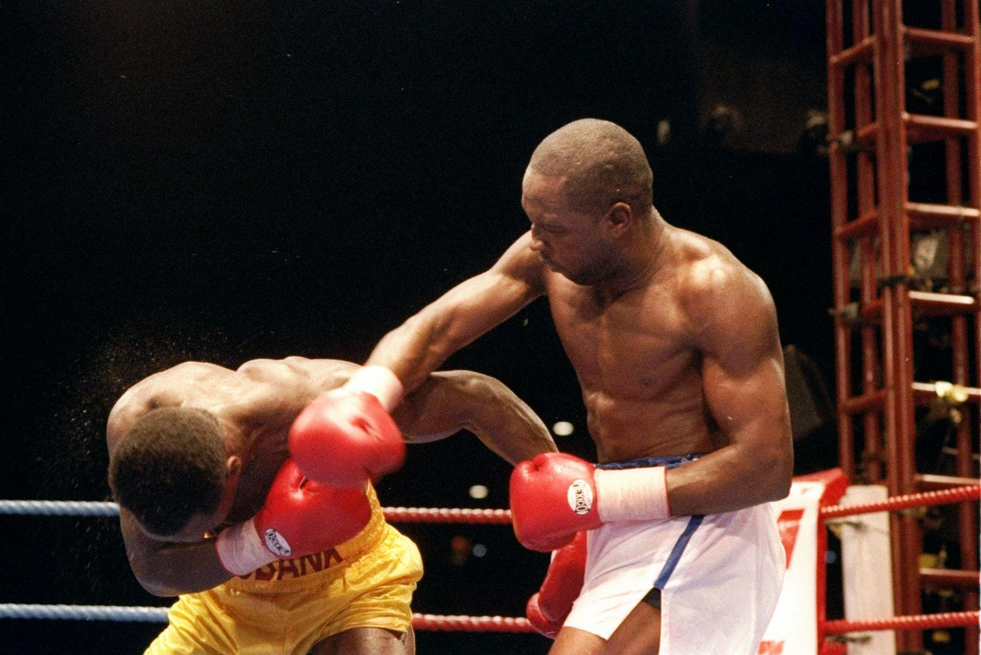 Бен (вдясно) срещу Крис Юбанк - класика от 1993 г.