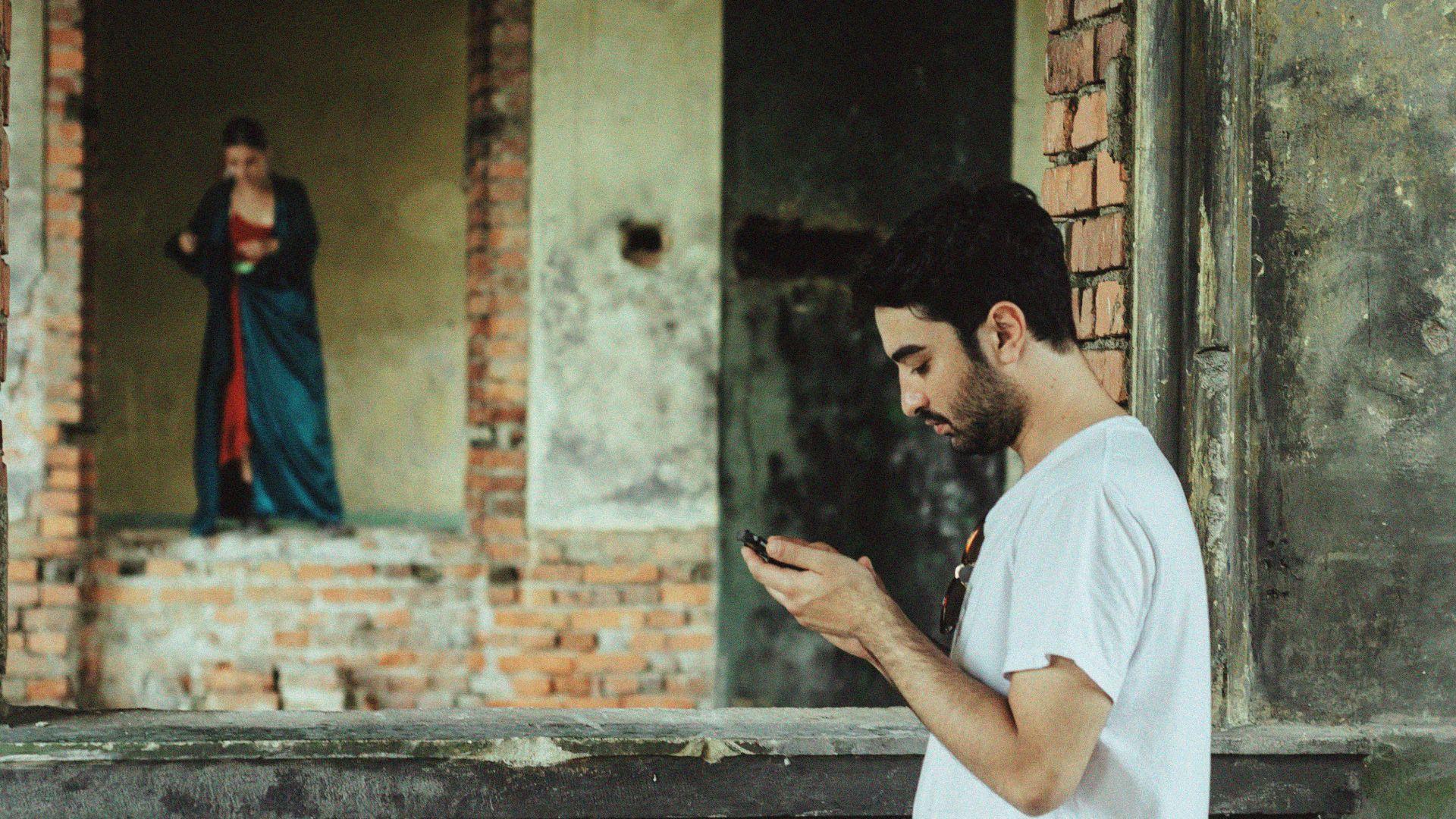 Кинорежисьорът Димитрис Георгиев зад видеоклипа към новия сингъл на Dorothy Takev