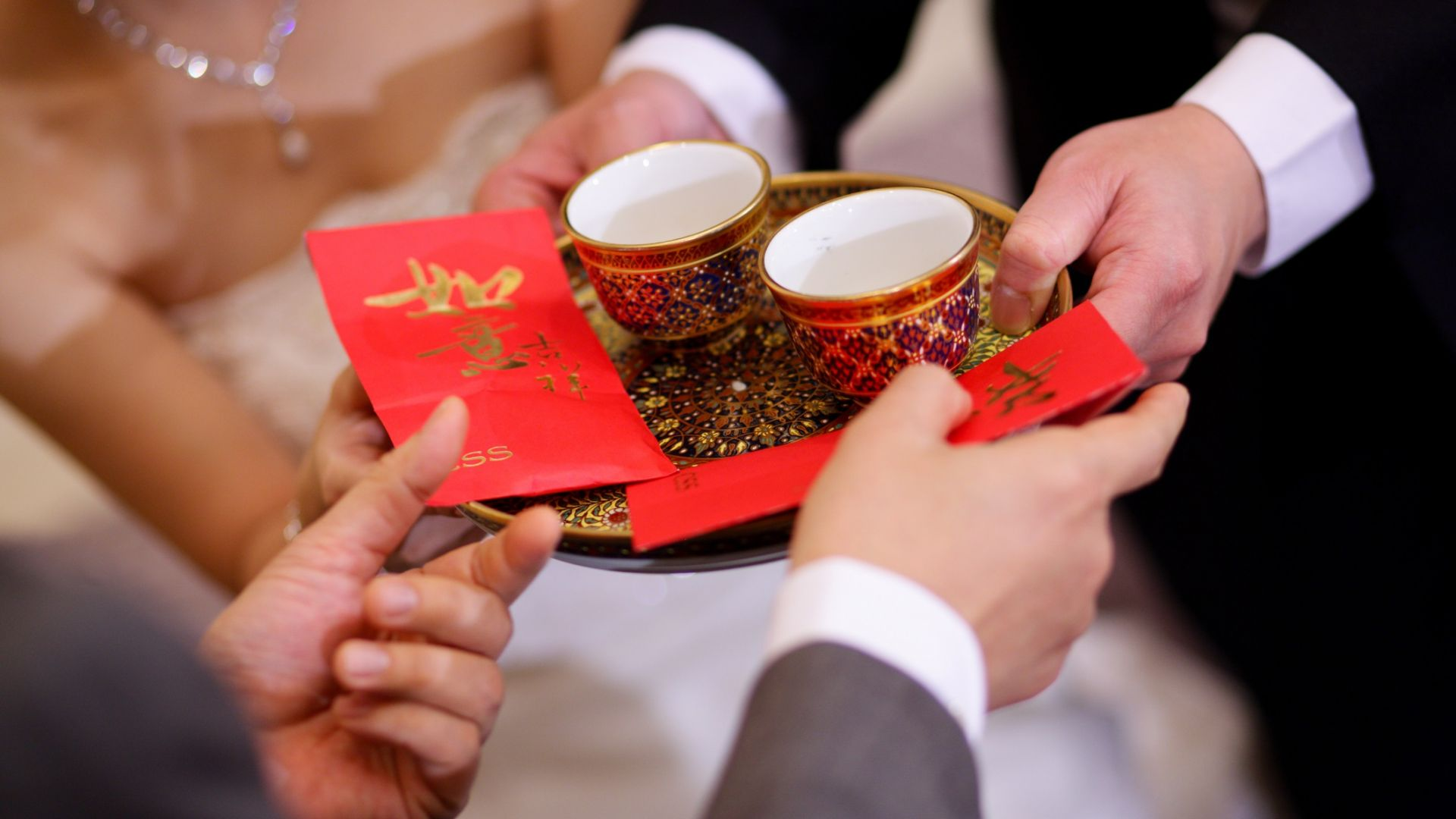 11 китайци от едно семейство сключиха брак и се разведоха 23 пъти за месец