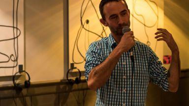Тръгна първият български аудиосериал, написан от Богдан Русев