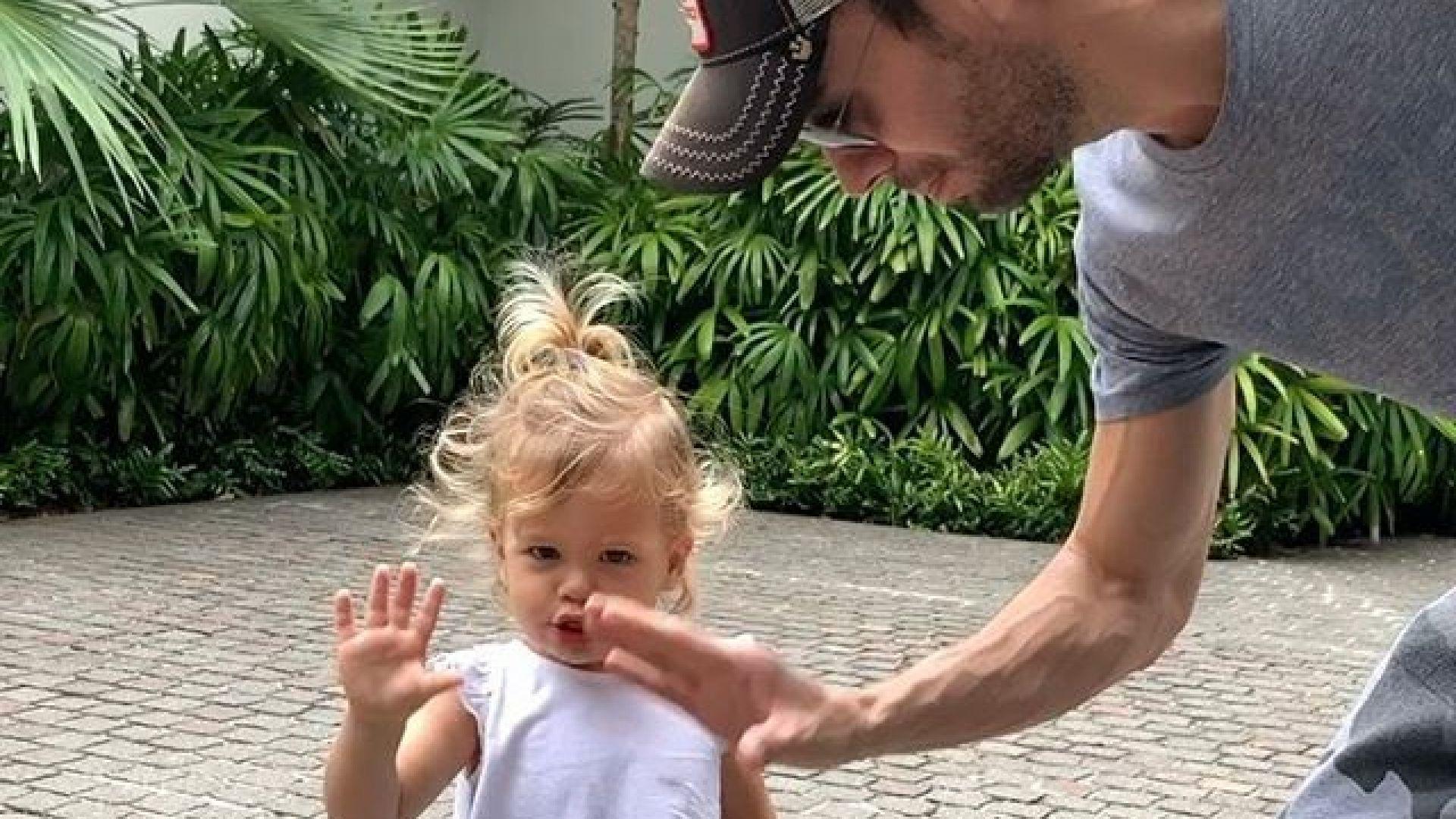 Енрике Иглесиас показа как танцува с порасналата си дъщеря (видео)