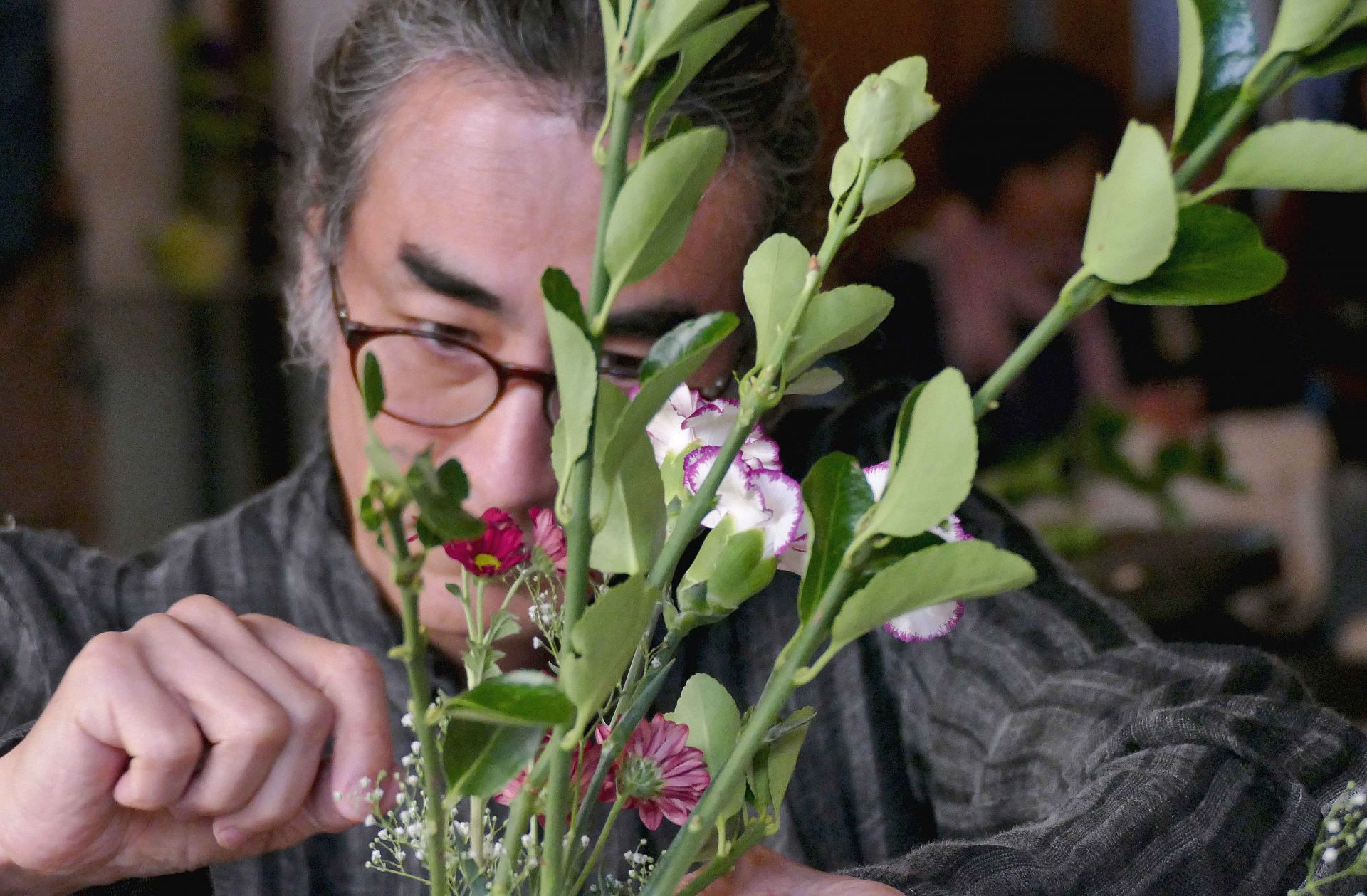Гост бе майстор Кихачиро Нишиура, който изнесе голяма лекция за принципите на изкуството икебана.