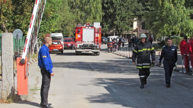 """Възстановяват изгорелия цех във военния завод """"Дунарит"""" до 6 месеца"""