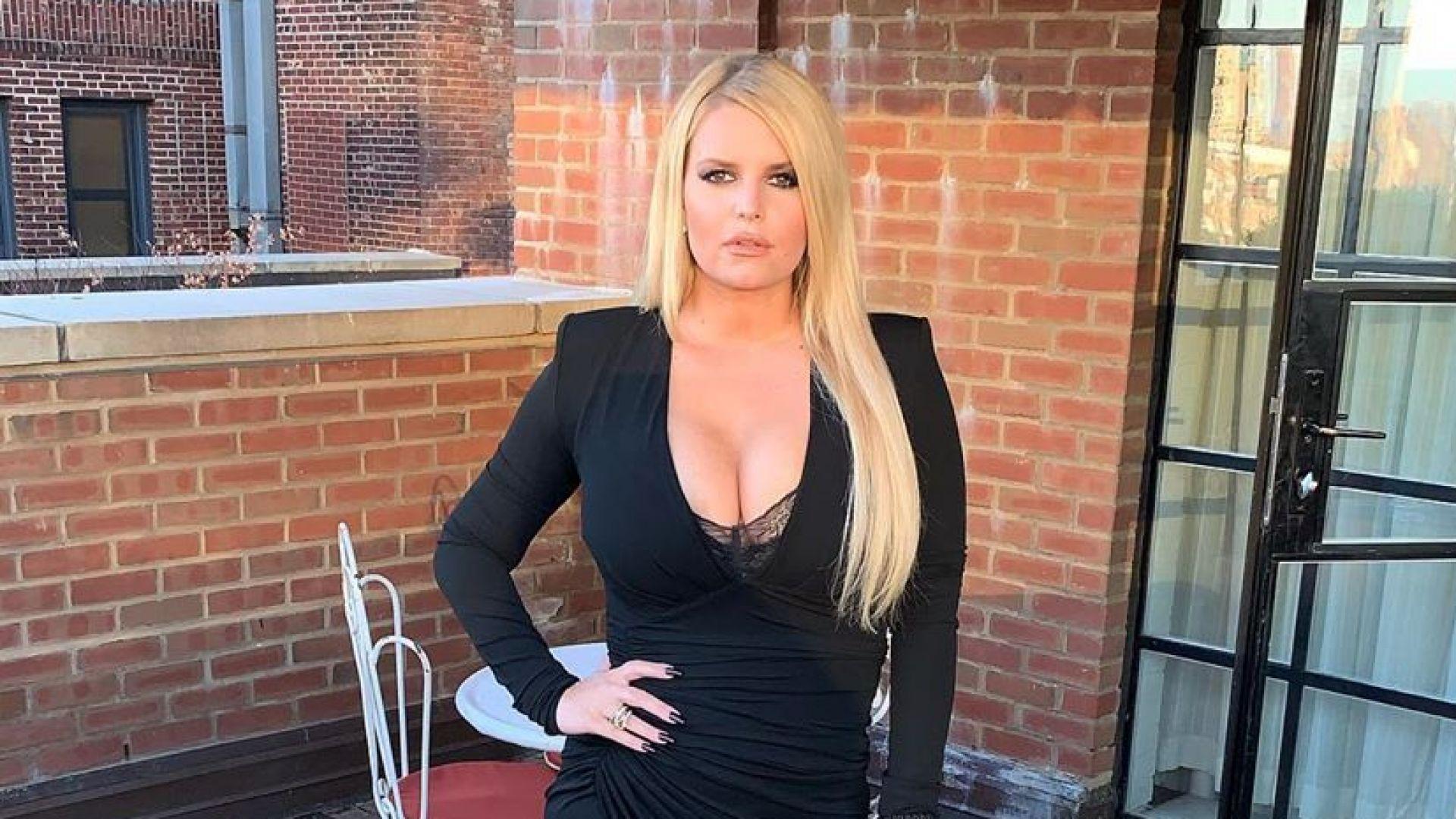 Треньорът на Джесика Симпсън разкри как певицата е свалила 45 кг за 6 месеца