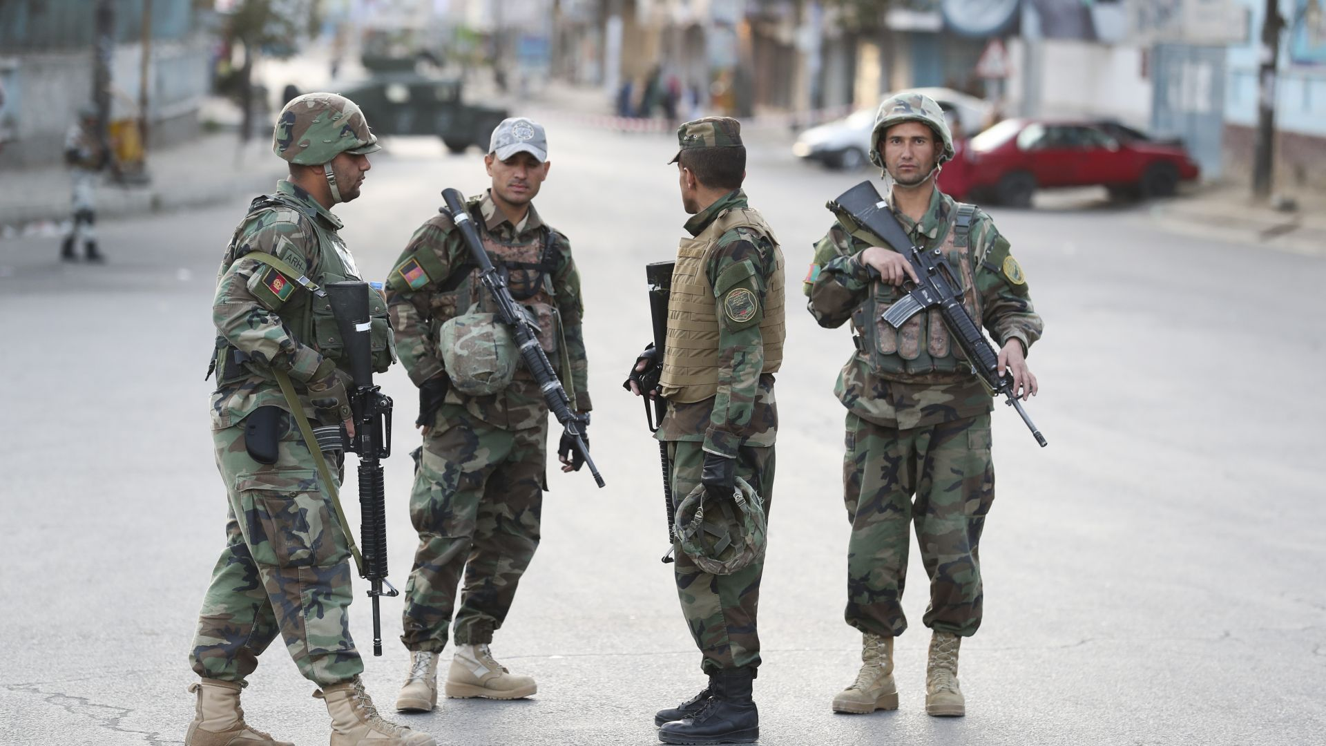 15 ранени при взрив пред избирателна секция в  Кандахар
