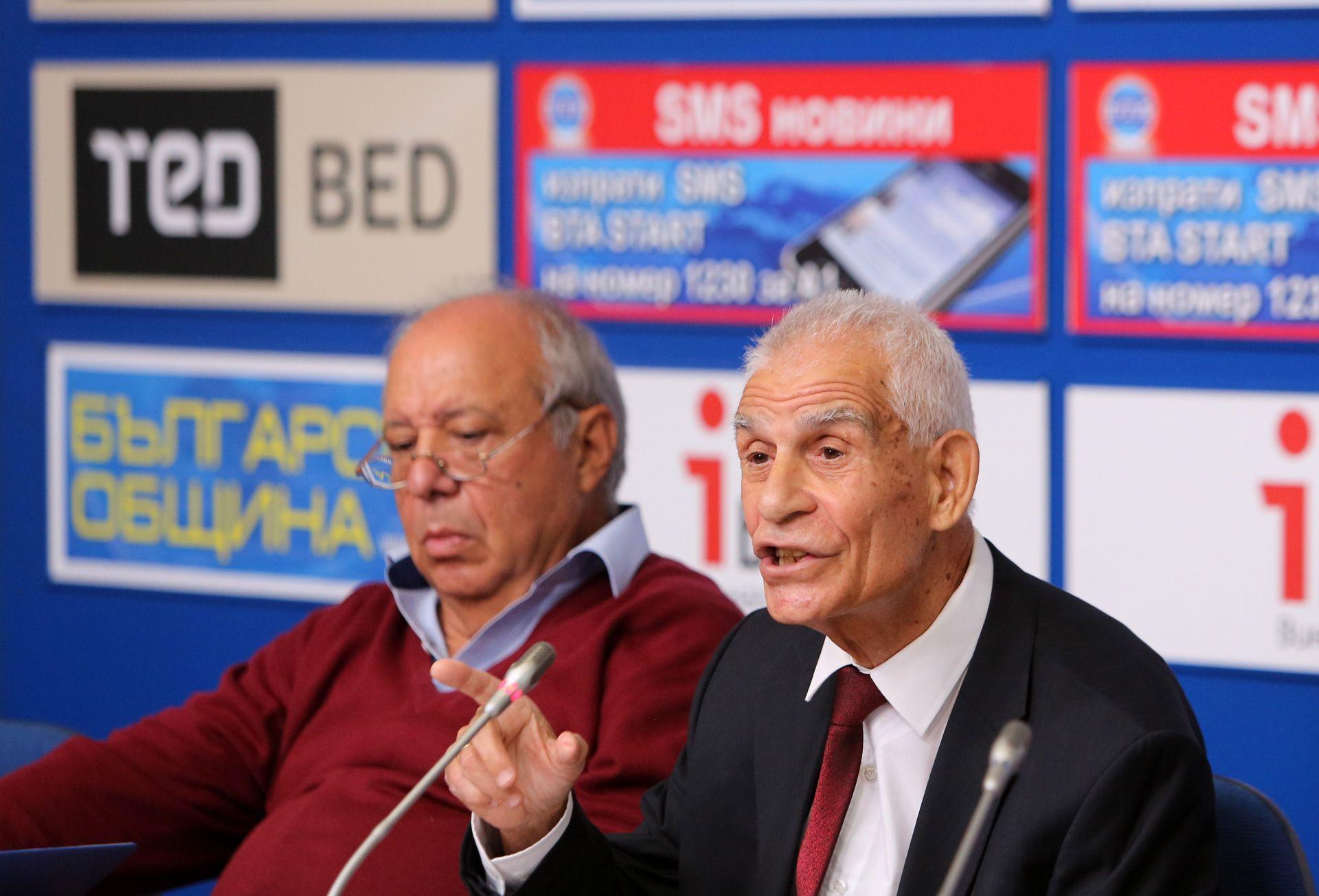 """Проф. д.ик.н. Ангел Димов (вдясно)- председател на Социалистическа партия """"Български път"""" и на Сдружение БИСЕР, проф. д-р Нено Димов (вляво) - зам.-председател на партията"""