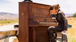 Бет Харт пусна новия си албум War In My Mind