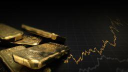 Златото с нов рекорд от 2013 долара за тройунция